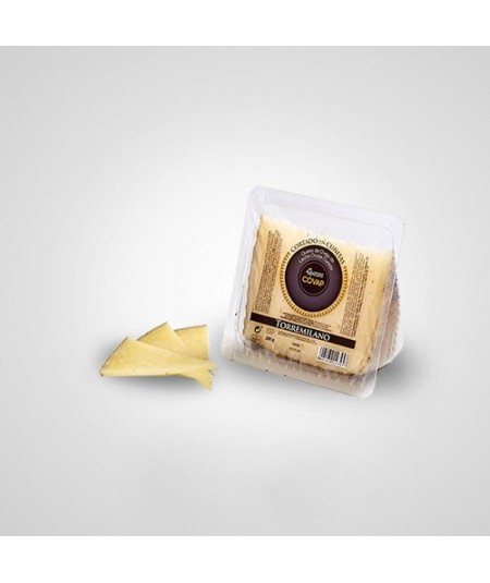 Cheese box with a selection of COVAP´s high-quality cheeses